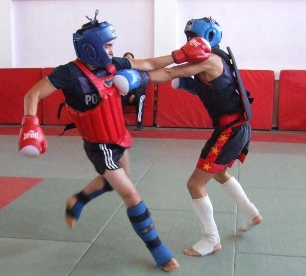 Защита при контактной борьбе в спорте
