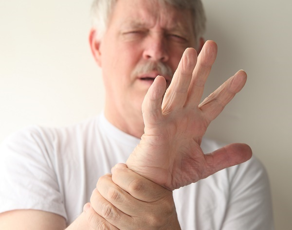 тремор руки