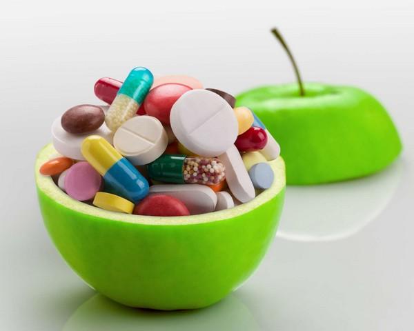 таблетки в яблоке