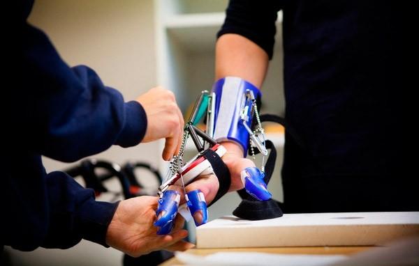 устройство для руки